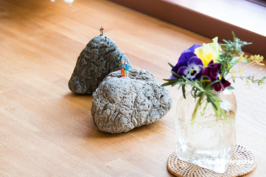 カフェギャラリー杏仁の店内には地元の作家さんの作品も展示されています