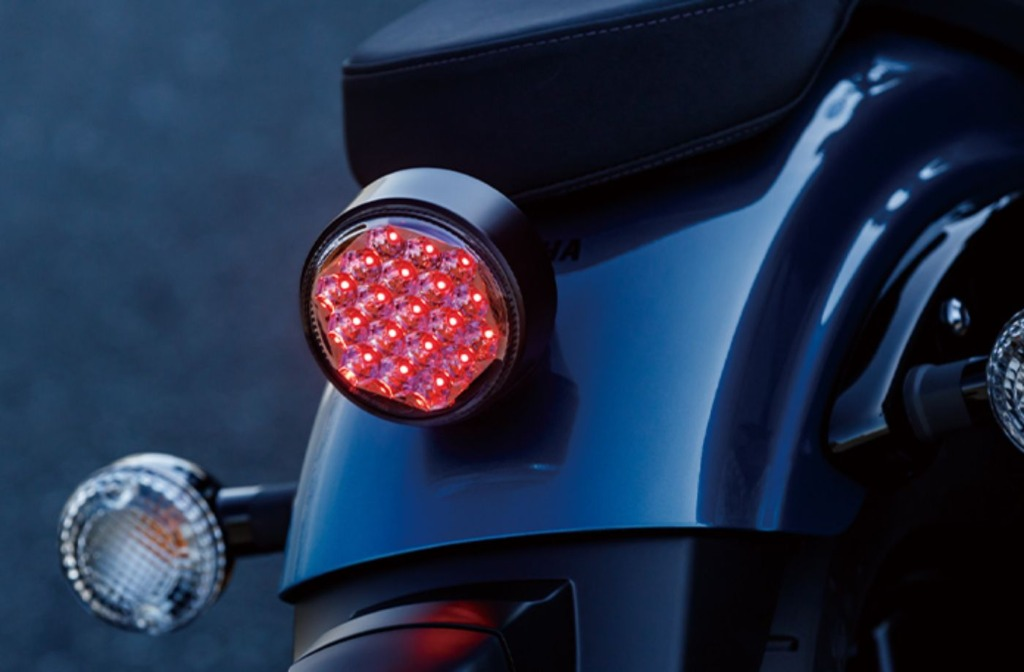 BOLT Rスペック ABS 2021年モデル テールランプ