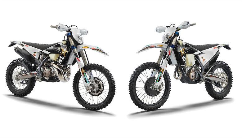 TE 300i Rockstar Edition(写真左)、FE 350 Rockstar Edition(右)